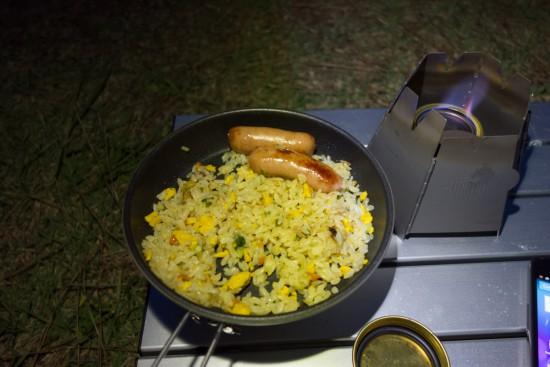 五目焼き飯とソーセージ炒め