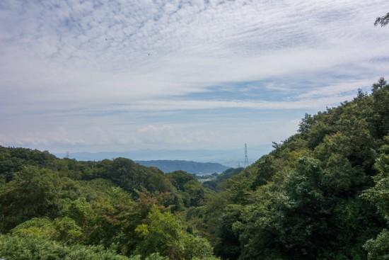 歩道橋の上から奈良方面の景色