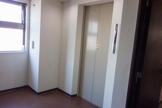 ホテルのエレベーター