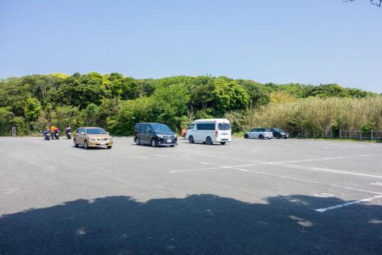 キャンプ場の駐車場