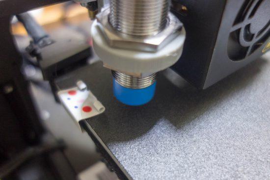 近接センサーがクリップに反応